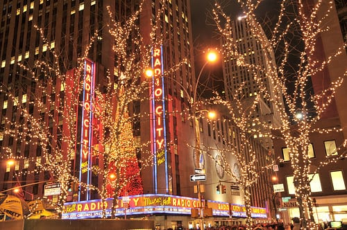 Christmas Light Show Limousine Service