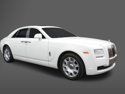 rolls-royce-ghost-left-close-door