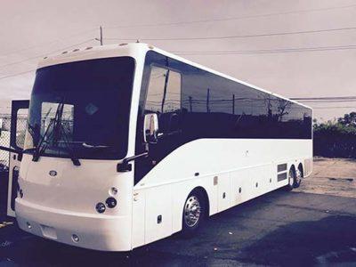 40 Passenger Luxury Bus