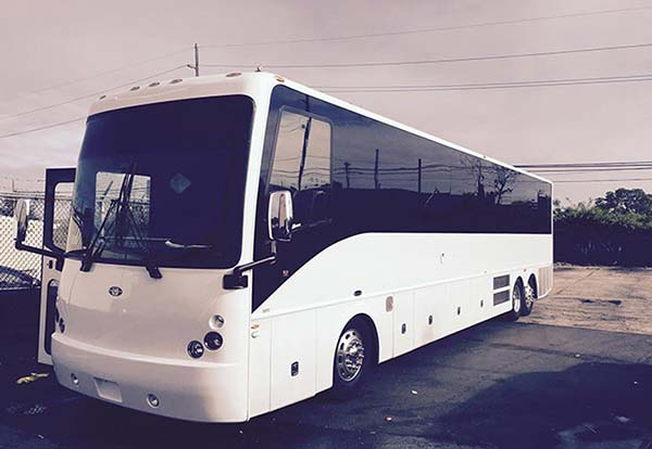 40 Passenger Luxury Bus
